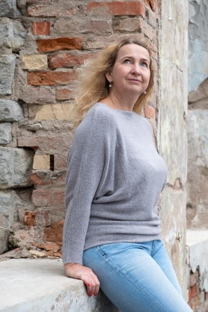 NIGHTSHADE SWEATER, GREY